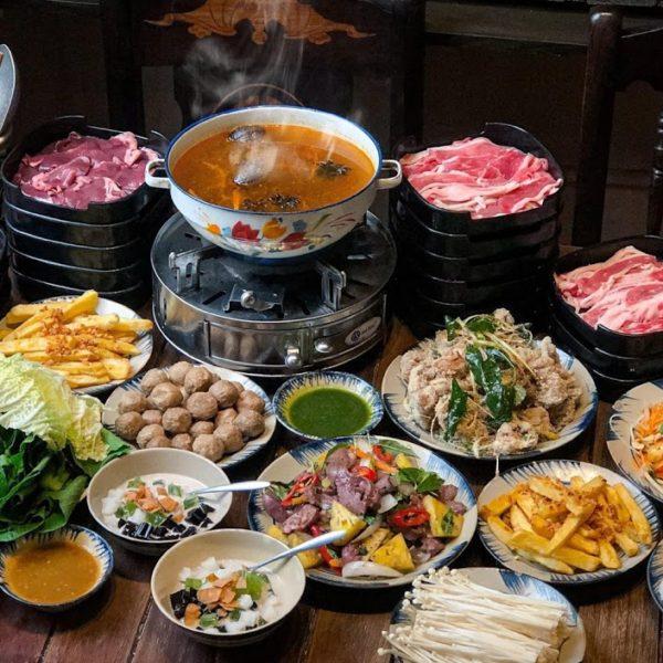 ハノイ旧市街で楽しむお鍋食べ放題!